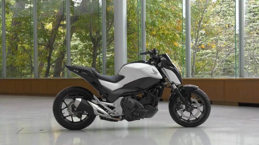 Honda Riding Assist-e modeli (sürücüsüz dengede durabilen model)